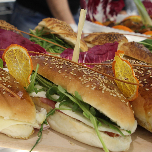 Ateljee 94 achtergrond - Catering - belegde broodjes